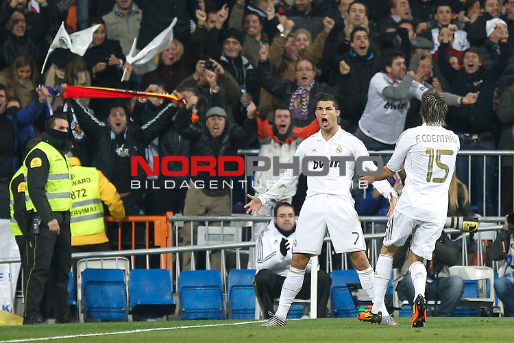 18.01.2012, Estadio Santiago Bernabéu, ESP, Madrid, Kings Cup, Real Madrid vs FC Barcelona, im Bild  Real Madrid's Cristiano Ronaldo goal during spanish King's Cup on January 18th 2012...Photo: Alex Cid-Fuentes / Foto © nph