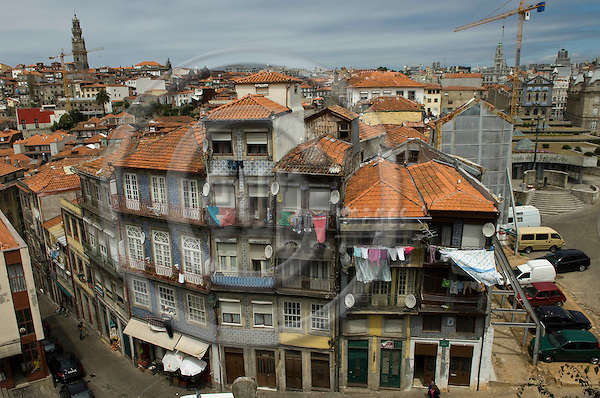 Oporto-Portugal, July 28, 2009 -- Original, old houses in the historic centre of Porto; architecture -- Photo: Horst Wagner / eup-images