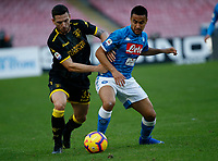Andrea Beghetto of Frosinone Omar Ounas of Napoli  during the  italian serie a soccer match,  SSC Napoli - Frosinone       at  the San  Paolo   stadium in Naples  Italy , December 08, 2018