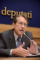Roma, 22 Maggio 2017<br /> Giulio Terzi di Sant'Agata<br /> Conferenza stampa sui risultati delle elezioni in Iran del 19 Maggio