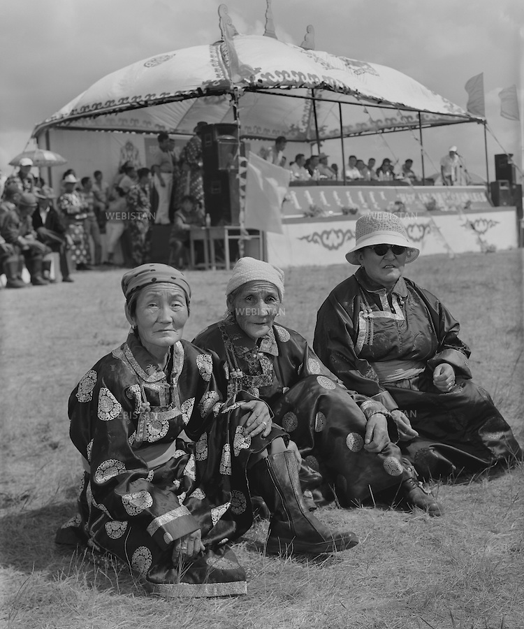 Inner Mongolia. 2007: 17.The Mongolian women in Kannadamu <br /> <br /> Mongolie interieure. 2007: Femmes mongoles &agrave; Kannadamu