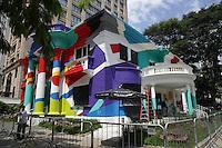 SÃO PAULO - SP. 07.03.2017 - GRAFITE- PAULISTA - O artista Arlin Christian realiza obra em casarão colonial de 1890 na Avenida Paulista, nesta terça-feira, 07. (Foto: Ciça Neder / Brazil Photo Press)