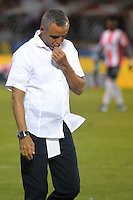 BARRANQUILLA- COLOMBIA -20 -02-2016: Alexis Mendoza, técnico de Atletico Junior durante partido entre Atletico Junior y Deportivo Pasto, de la fecha 5 de la Liga Aguila I-2016, jugado en el estadio Metropolitano Roberto Melendez de la ciudad de Barranquilla. / Alexis Mendoza, coach of Atletico Junior during a match between Atletico Junior and Deportivo Pasto,  for date 5 of the Liga Aguila I-2016 at the Metropolitano Roberto Melendez Stadium in Barranquilla city, Photo: VizzorImage  / Alfonso Cervantes / Cont.
