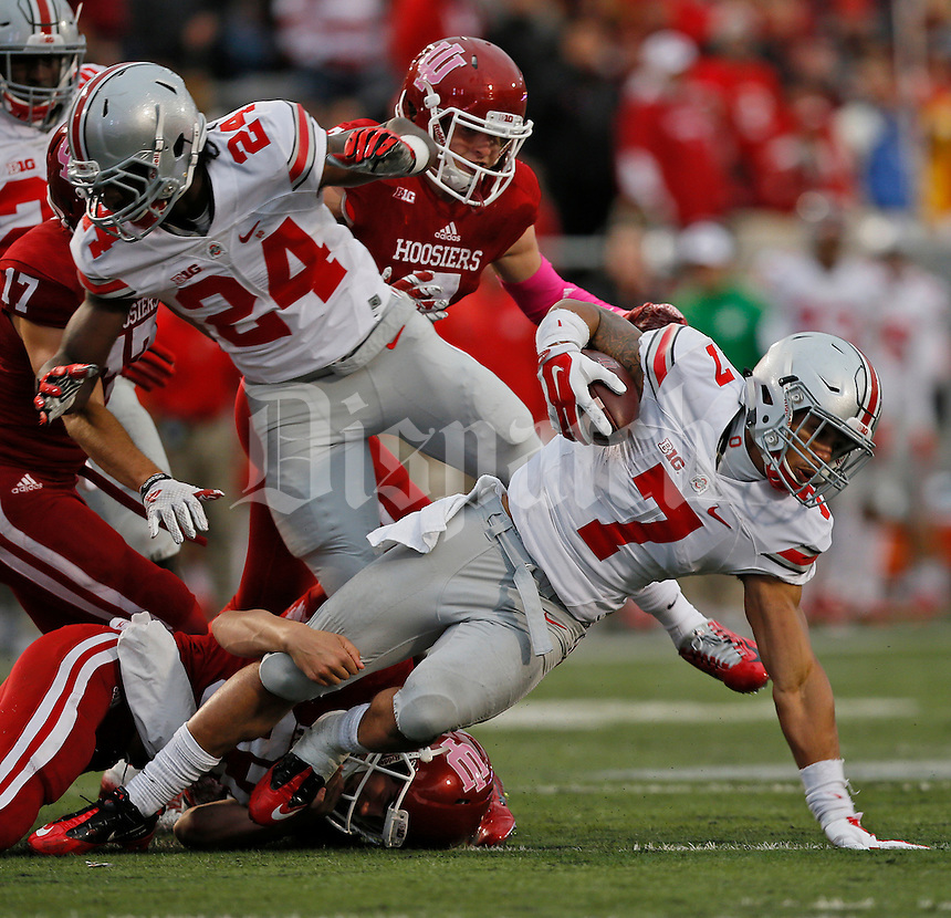 Ohio State Buckeyes running back Jalin Marshall (7)runs for yardage in the first half of the Ohio State Buckeyes against the Indiana Hoosiers at Memorial Stadium in Bloomington Indiana Oct. 3, 2015.(Dispatch photo by Eric Albrecht)