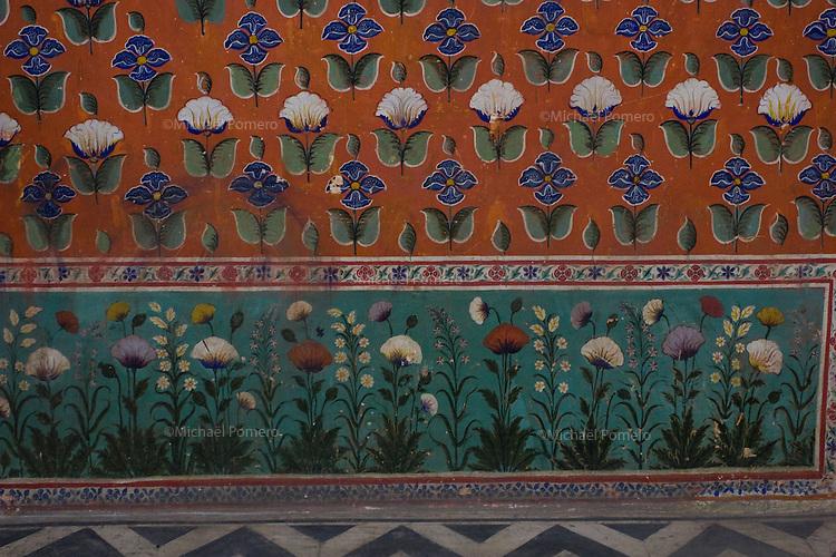 26.11.2010 Udaipur (Rajasthan)<br /> <br /> Wall painting of a room in the city palace.<br /> <br /> Peinture des murs d'une pièce du palais de la ville.