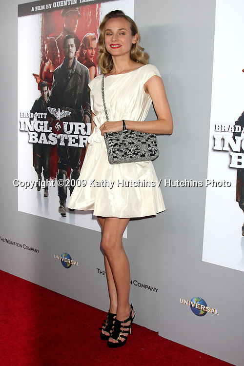 """Diane Kruger .arriving at the Blu-ray & DVD Launch of """"inglourious Basterds"""" .Beverly Cinema.Los Angeles,  CA.December 14, 2009.©2009 Kathy Hutchins / Hutchins Photo."""