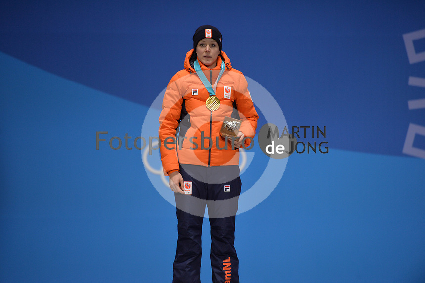 OLYMPIC GAMES: PYEONGCHANG: 15-02-2018, Medals Plaza, Victories Ceremony, Podium 1000m Ladies Long Track Speed Skating, Jorien ter Mors (NED), ©photo Martin de Jong