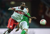 FUSSBALL   1. BUNDESLIGA   SAISON 2012/2013   4. SPIELTAG SV Werder Bremen - VfB Stuttgart                         23.09.2012        Cacau (li, VfB Stuttgart) gegen Zlatko Junuzovic (re, SV Werder Bremen)
