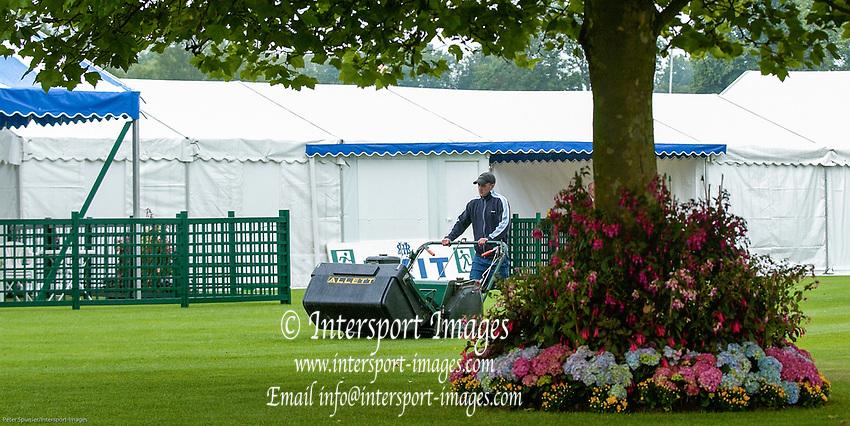 Henley on Thames, Henley. UK.<br /> <br /> 2006 Henley Royal Regatta, Henley on Thames, ENGLAND. <br /> <br /> Last cut, mowing the Stewards Enclosure Lawns<br /> <br /> <br /> [Mandatory Credit Peter Spurrier/ Intersport Images] ...........Rowing Courses, Henley Reach, Henley, ENGLAND. HRR