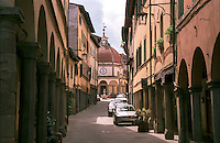 "Poppi, paese in provincia di Arezzo annoverato tra ""i borghi più belli d'Italia"" --- Poppi, small village in the province of Arezzo rated within the ""most beautiful villages in Italy"""