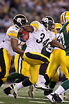 Pittsburgh Steelers running back Rashard Mendenhall (34) carries the ball during Super Bowl XLV against the Green Bay Packers on Sunday, February 6, 2011, in Arlingto, Texaas. The Packers won 31-25. (AP Photo/David Stluka)