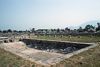 Italy: Paestum--Hellenistic Era--swimming pool. Photo '83.