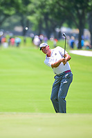 Matt Kuchar (USA) chips on to 4 during round 2 of the Dean &amp; Deluca Invitational, at The Colonial, Ft. Worth, Texas, USA. 5/26/2017.<br /> Picture: Golffile | Ken Murray<br /> <br /> <br /> All photo usage must carry mandatory copyright credit (&copy; Golffile | Ken Murray)