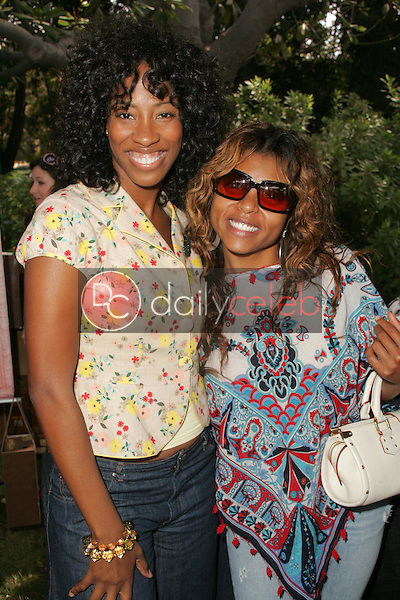 """Shondrella Avery and Taraji P Henson<br />at the W Hollywood Yard Sale Presented by Guess benefitting """"Clothes Off Our Back"""". Private Residence, Brentwood, CA. 09-17-05<br />Dave Edwards/DailyCeleb.Com 818-249-4998"""