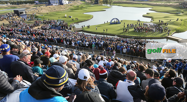 EUROPE WIN. View of 18 green after the Sunday's Singles, at the Ryder Cup, Le Golf National, Île-de-France, France. 30/09/2018.<br /> Picture David Lloyd / Golffile.ie<br /> <br /> All photo usage must carry mandatory copyright credit (© Golffile | David Lloyd)