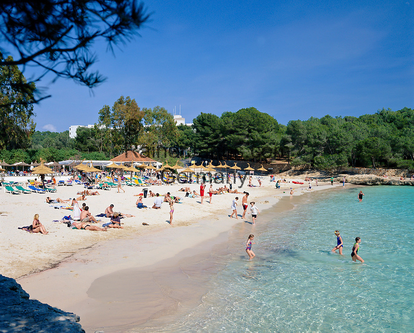 Spain, Mallorca, Cala Mondrago: Beach in the South-East | Spanien, Mallorca, Cala Mondrago: Strand im Suedosten der Insel