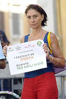Roma, 9 Settembre 2011.Piazza Montecitorio.I Verdi con il portavoce Angelo Bonelli presenta in piazza Montecitorio, la 'contromanovra ecologistà elaborata dal Sole che Ride chiedendo il taglio delle spese militari e degli sprechi