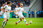 01.05.2019, RheinEnergie Stadion , K&ouml;ln, GER, DFB Pokalfinale der Frauen, VfL Wolfsburg vs SC Freiburg, DFB REGULATIONS PROHIBIT ANY USE OF PHOTOGRAPHS AS IMAGE SEQUENCES AND/OR QUASI-VIDEO<br /> <br /> im Bild | picture shows:<br /> Pia-Sophie Wolter (VfL Wolfsburg #20) am Ball, <br /> <br /> Foto &copy; nordphoto / Rauch
