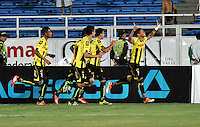 CALI - COLOMBIA -02-04-2014: Ayron Del Valle (Der.)  jugador de Alianza Petrolera, corre a celebrar el gol anotado a Deportivo Cali durante  partido Deportivo Cali y Alianza Petrolera por la fecha 14 de la Liga Postobon I 2014 en el estadio Pascual Guerrero de la ciudad de Cali. / Ayron Del Valle (R) player of Alianza Petrolera runs to celebrate a scored goal to Deportivo Cali during a match between Deportivo Cali and Alianza Petrolera for the date 14th of the Liga Postobon I 2014 at the Pascual Guerrero stadium in Cali city. Photo: VizzorImage / Luis Ramirez / Staff.