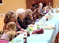 Janelle Jessen/Herald-Leader<br /> Families lined up to play Bingo during Family Game Night.