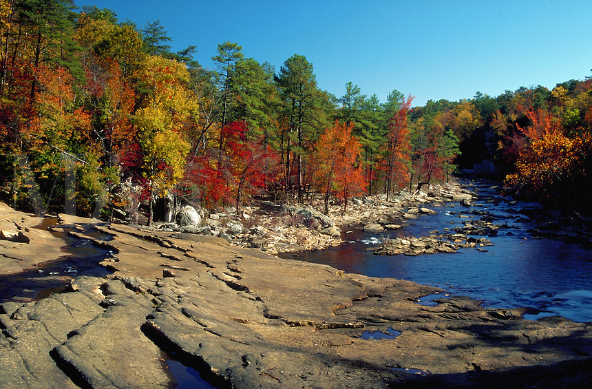 Little river canyon in autumn, Maine