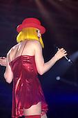 1994: CYNDI LAUPER - Live in Paris France