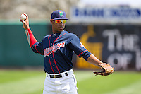 Cedar Rapids Kernels outfielder Byron Buxton #7 throws prior to a game against the Lansing Lugnuts at Veterans Memorial Stadium on April 30, 2013 in Cedar Rapids, Iowa. (Brace Hemmelgarn/Four Seam Images)
