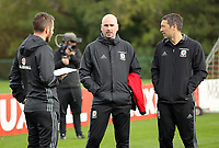 Pictured: Team psychologist Ian Mitchell (C) with Ryland Morgans (R). Monday 02 October 2017<br /> Re: Wales football training, ahead of their FIFA Word Cup 2018 qualifier against Georgia, Vale Resort, near Cardiff, Wales, UK.