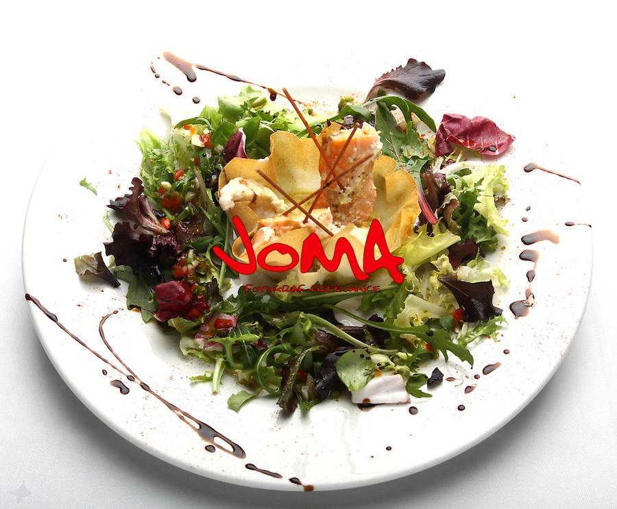 Amanida de peix amb vinagreta de fenoll. Fish salad with fennel vinaigrette. Fisch-Salat mit Fenchel-Vinaigrette . Ensala de pescado con vinagreta de hinojo