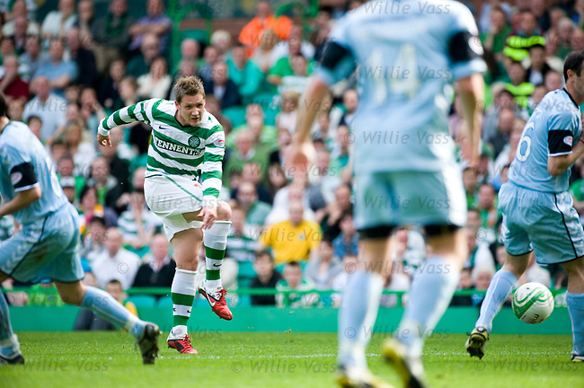 Kris Commons blasts in the winning goal for Celtic