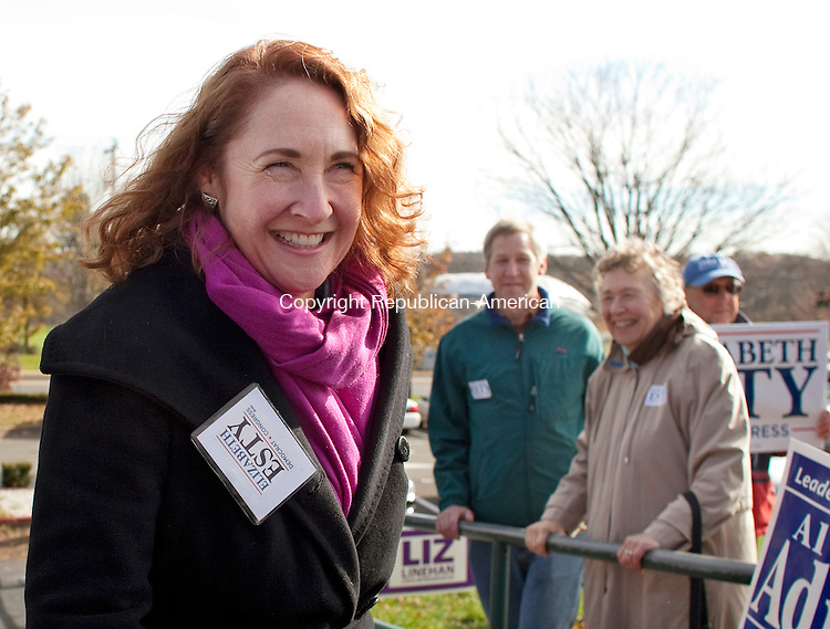 CHESHIRE, CT-6 November 2012-110612BF04-- Elizabeth Esty, Democratic candidate for the 5th Congressional District, enters Cheshire High School to vote Tuesday. Esty is running against Republican Andrew Roraback. .Bob Falcetti Republican-American