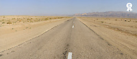 Tunisia, Tozeur.Road through desert PANORAMIC (TRAVEL TUNISIAsb10069713ac-001 )