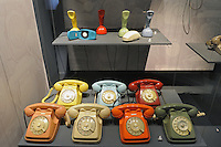 - Milano, Museo nazionale della Scienza e della Tecnica; telefonia<br />
