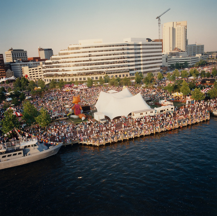 1991 June 9..Redevelopment.Downtown South (R-9)..Harborfest Aerials from helicopter.Low Angle Closeup of Towne Point Park Bandshell.Norfolk Waterfront...NEG#.NRHA#.2 1/4 color negs.06/91 REDEV  :DT Sth3:3  :2  :2-F8.
