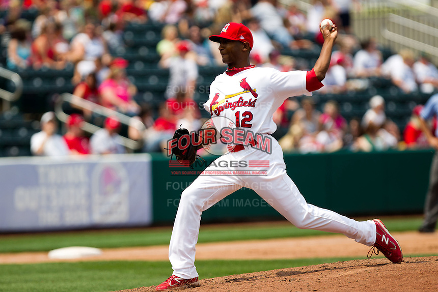 Samuel Freeman (12) of the Springfield Cardinals delivers a pitch during a game against the Arkansas Travelers on May 10, 2011 at Hammons Field in Springfield, Missouri.  Photo By David Welker/Four Seam Images.