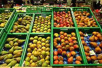 Roma, .Supermercato Coop Laurentino.Frutta, Pere.Supermarket Coop Laurentino.Fruit, Pears.