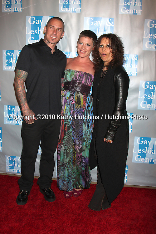 Carey Hart & Pink (Alecia Moore), Linda Perry.arrives at An Evening with Women - LA Gay & Lesbian Center's Gala.Beverly Hilton Hotel.Beverly Hills, CA.May 1, 2010.©2010 Kathy Hutchins / Hutchins Photo...