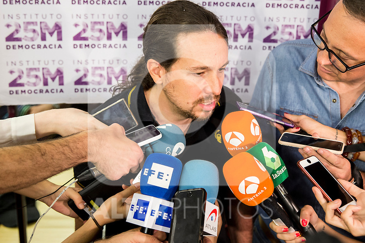 "Pablo Iglesias during the presentation of the new book of Jorge Aleman  ""Horizontes neoliberales en la subjetividad"" in Madrid. October 05, 2016. (ALTERPHOTOS/Rodrigo Jimenez)"