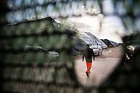 23.02.2014. Napoli, Campania, Italia. Salvatore Trinciella arbeider ved avfallsplassen ved Taverna del Re. Dette var et fruktbart jordbruksområde kjent for sine fantastiske ferskner. I dag er Taverna del Re i Giuliano en av de største avfallsplassene i Italia, som har vært en del av løsningen på den tidligere søppelkrisen i Napoli. Bilder til magasinsak om Campania regionen.  Foto: Christopher Olssøn