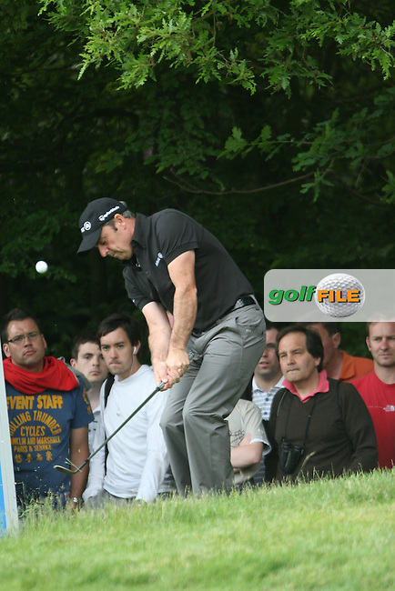 Paul McGinley chips in from the crowd on the 16th hole during the 3rd round of the 2008 BMW PGA Championship at Wentworth Club, Surrey, England 24th May 2008 (Photo by Eoin Clarke/GOLFFILE)