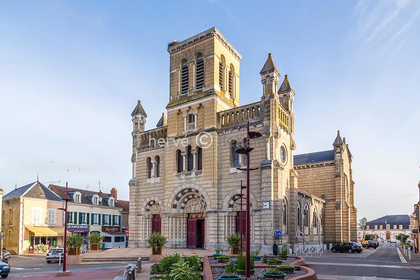 France, Saône-et-Loire (71), Digoin, église Notre-Dame-de-la-Providence // France, Saone-et-Loire, Digoin, Notre Dame de la Providence church
