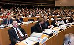 Bruessel - Belgien, 20. Januar 2014; <br /> MdB Prof. Dr. Norbert LAMMERT (li), Praesident des Deutschen Bundestages, nimmt im Rahmen einer Bundestagsdelegation teil an der Interparlamentarischen Konferenz zur wirtschaftlichen Steuerung der EU (siehe Artikel 13 des EU-Fiskalvertrags); hier: im kleinen Plenarsaal des Europaeischen Parlaments mit MdB Norbert BARTHLE (2.li)(CDU/CSU), Leiter der Bundestagsdelegation; und weiter in der Sitzreihe: MdB Andrej HUNKO (Die Linke), MdB Norbert BRACKMANN (CDU/CSU), MdB Joachim POSS (SPD); <br />  Photo: &copy; Horst Wagner / DBT; <br /> Tel.: +49 179 5903216; <br /> horst.wagner@skynet.be