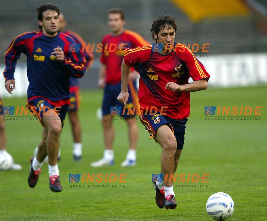 Genova 28/4/2004 <br /> Amichevole Italia Spagna 1-1 - Friendly match Italy - Spain 1-1. <br /> Gonzalez Raul and Fernando Morientes (Spain)<br /> Photo Andrea Staccioli / Insidefoto