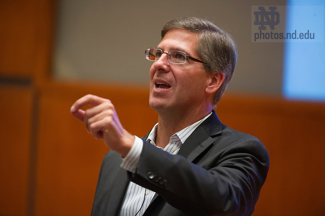 Oct. 10, 2013; PWC chairman Bob Moritz, speaks at Mendoza College of Business as part of the Boardroom Insights lecture series. Photo by Barbara Johnston/University of Notre Dame