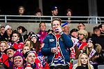 Stockholm 2015-03-13 Bandy SM-final herrar Sandvikens AIK - V&auml;ster&aring;s SK :  <br /> Karebys supportrar med tutor p&aring; l&auml;ktaren p&aring; Tele2 Arena under matchen mellan Sandvikens AIK och V&auml;ster&aring;s SK <br /> (Foto: Kenta J&ouml;nsson)<br /> Nyckelord:  SM SM-final final Bandyfinal Bandyfinalen Dam Damer Dambandy AIK Kareby IS supporter fans publik supporters