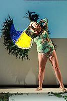 SÃO PAULO, SP, 06.03.2016 - FWPS-BRUNO BACCK -  A ex-BBB Naná  durante desfile da grife Bruno Bacck no Fashion Weekend Plus Size - Inverno 2016, no Teatro APCD no bairro de Santana na região norte de São Paulo, neste domingo, 06. (Foto: William Volcov/Brazil Photo Press)