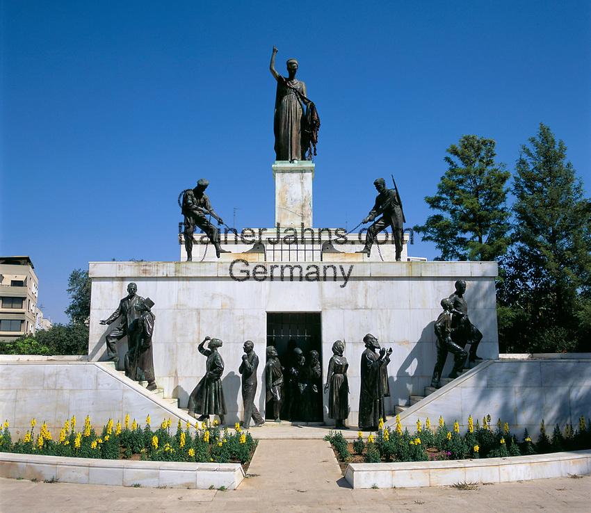 ZYPERN, Hauptstadt Nikosia: Freiheitsdenkmal zur Erinnerung an die Befreiung von der Britischen Kolonialmacht | CYPRUS, capital Nicosia: Liberty monument