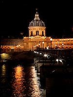 The Institut de France, 1660, Le Vau, Quai de Conti, Paris 6th arrondissement, France. Seen at night from Quai du Louvre with the Ponts des Arts on the right of the picture that connects Le Louvre to the Institut de France which was founded in 1795 by the Directory and replaced the five learned societies : French Academy, the Academie Royale de Peinture et de Sculpture, the Academie Royale des Inscriptions et Medailles, the Académie royale des Sciences and the Academie royale d'Architecture. Between 1795 and 1832 it was reorganized several times but was finally restored as a fifth academy : the French Academy, the Academie des Inscriptions et Belles-Lettres (history and archaeology), the Academie des Sciences, the Academie des Beaux-Arts and the Academie des Sciences morales et politiques.