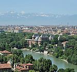 Vista sul fiume e sul Castello del Valentino