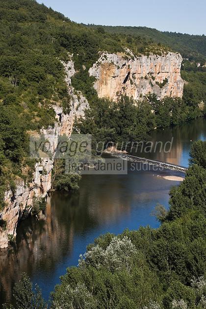 Europe/France/Midi-Pyrénées/46/Lot/Env de Saint-Cirq-Lapopie/Bouziés: La vallée du Lot - le défilé des Anglais